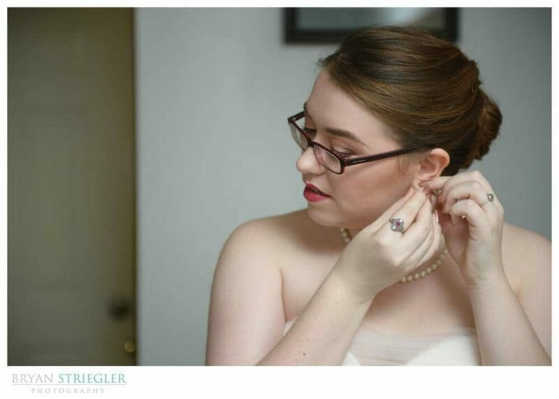 Eureka Springs Wedding Photographer getting ready in cottage