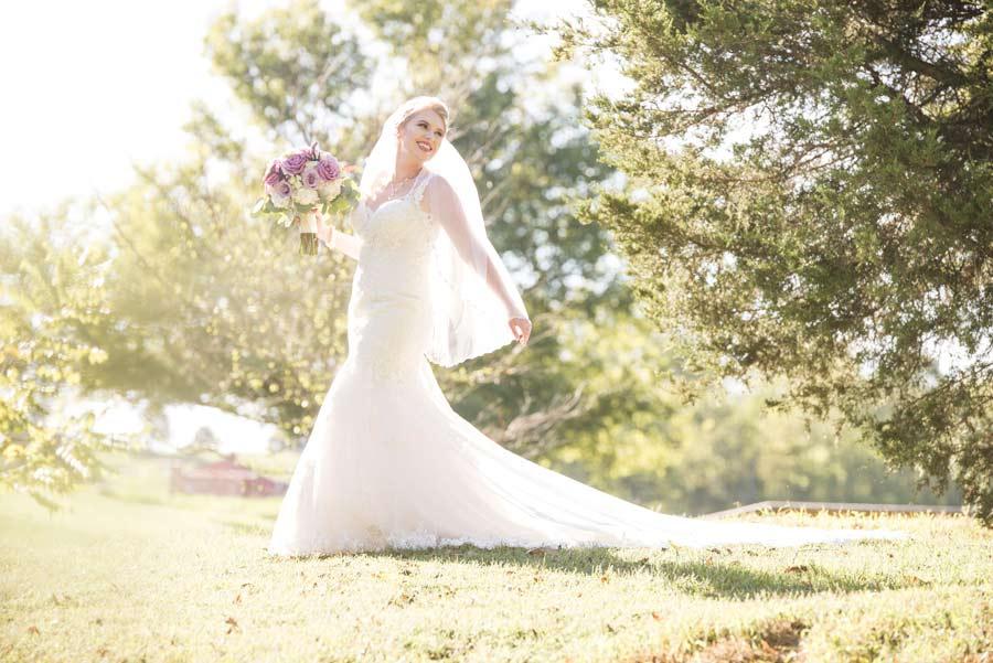 Arkansas bridal portraits at Sassafras Springs