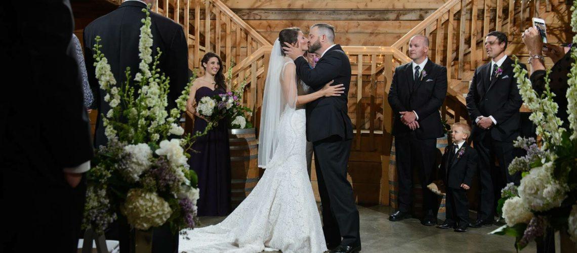 Pratt-Place-Barn-kiss