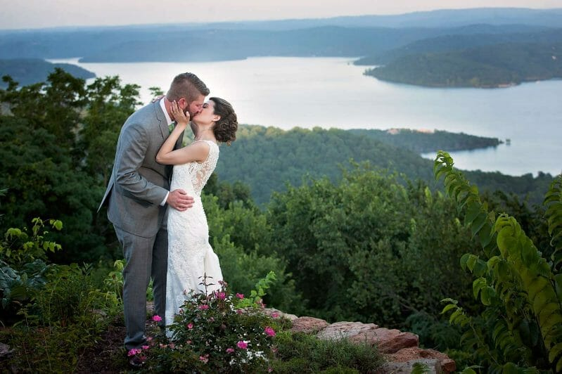 Weddings-at-Whitney-Mountain-Lodge