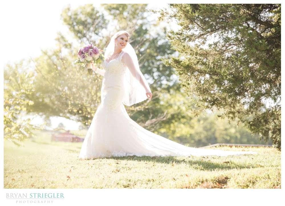 bride posing at Sassafras