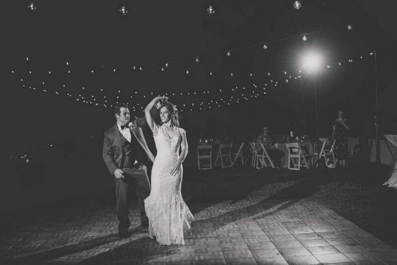 wedding first dance with twirl