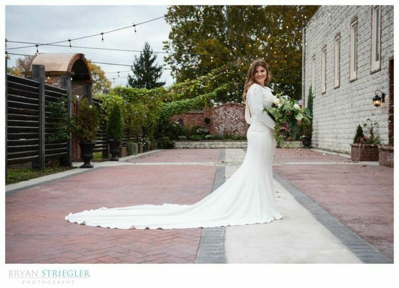 bridal portrait in the Ravington courtyard