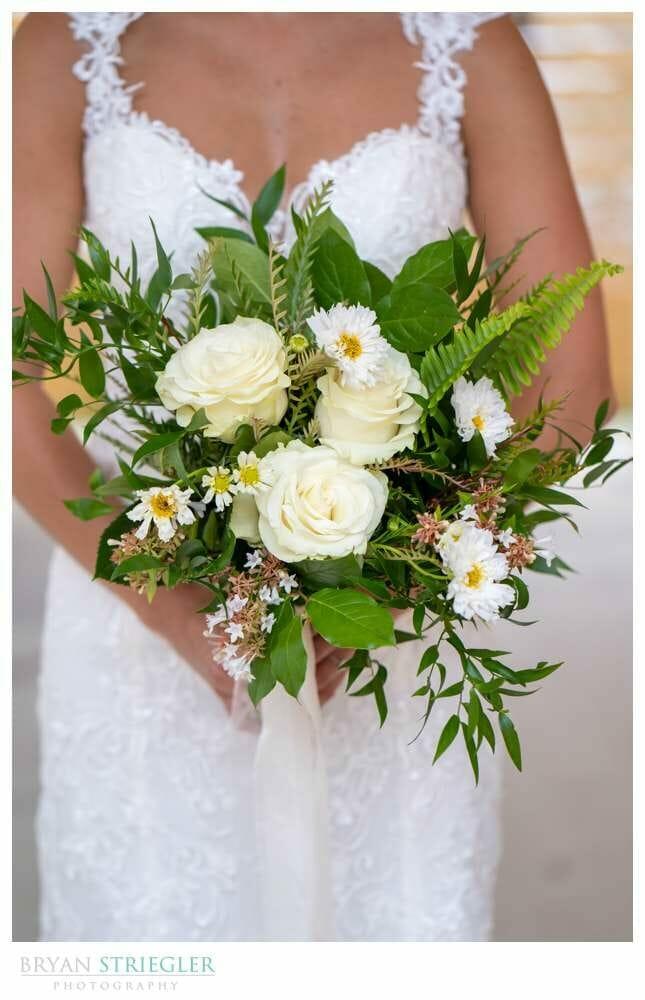 bridal bouquet from Rose of Sharon (https://www.roseofsharon-eventflorist.com/)