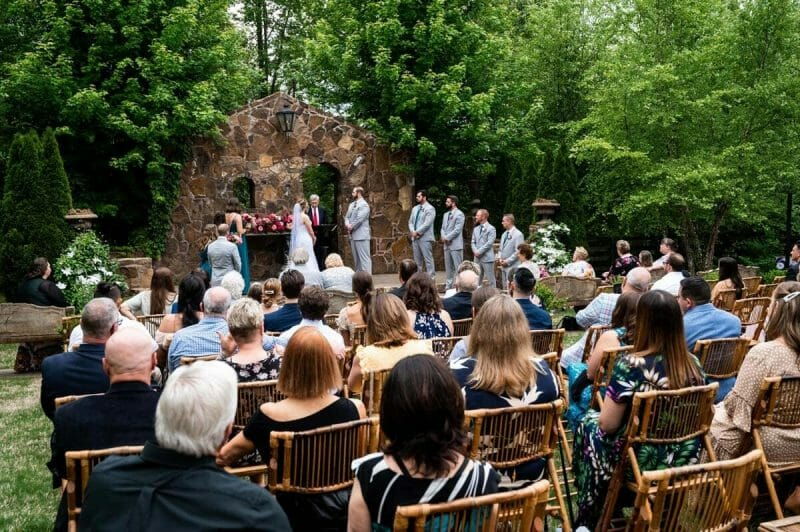 outdoor ceremony at Mattlane farm